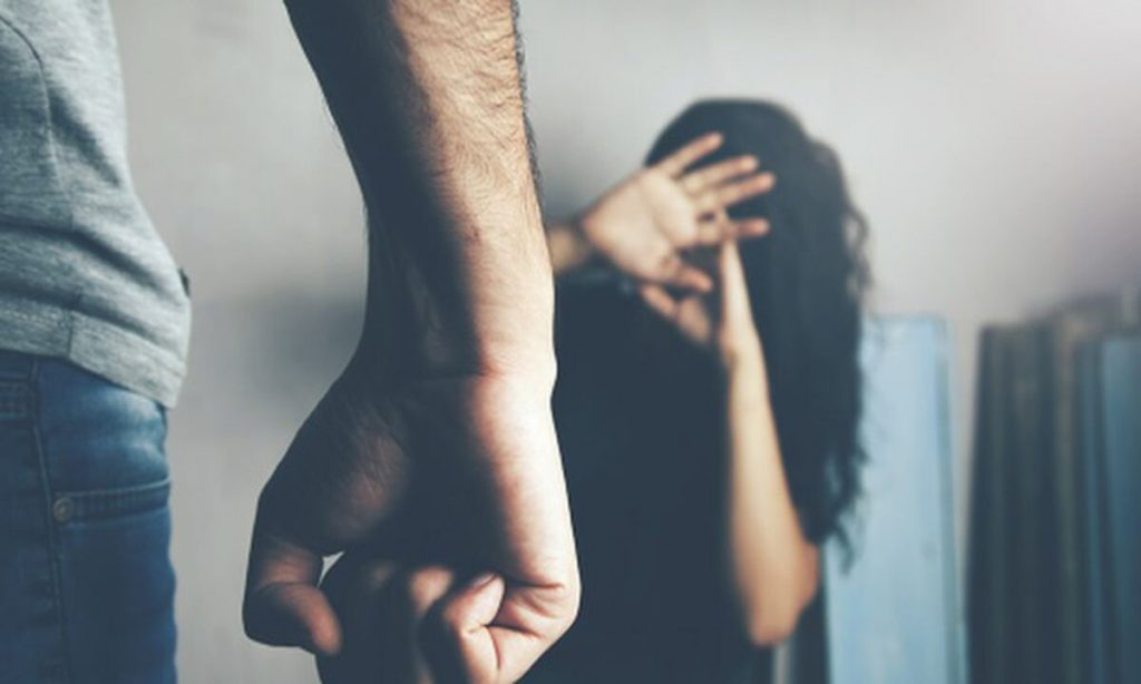 Call center silencioso: Gobierno Argentino y WhatsApp anuncian línea de chat de emergencia para víctimas de violencia de género