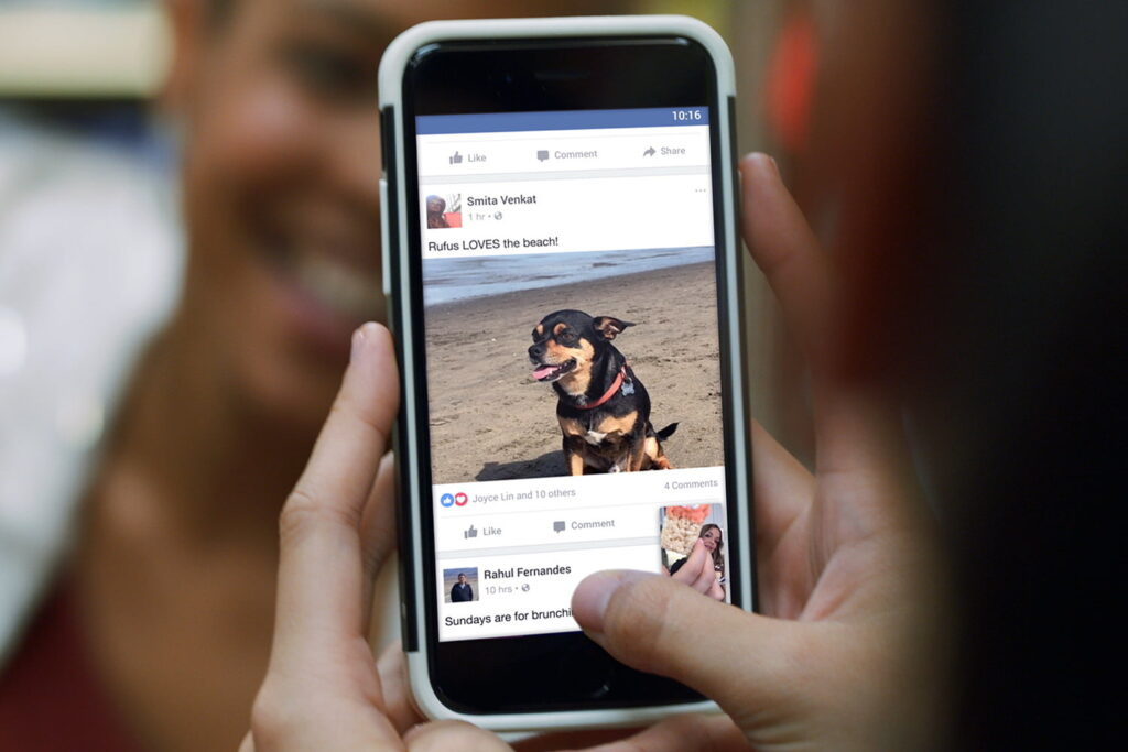 Facebook agrega música a sus videos