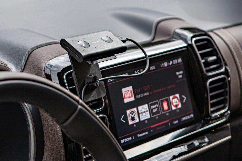 Asistente de voz para autos basado en la tecnología de Alexa