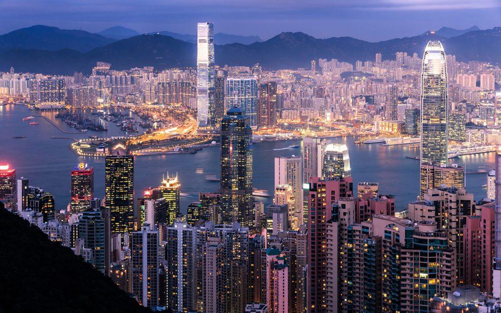 Facebook renuncia a conectar California con Hong Kong